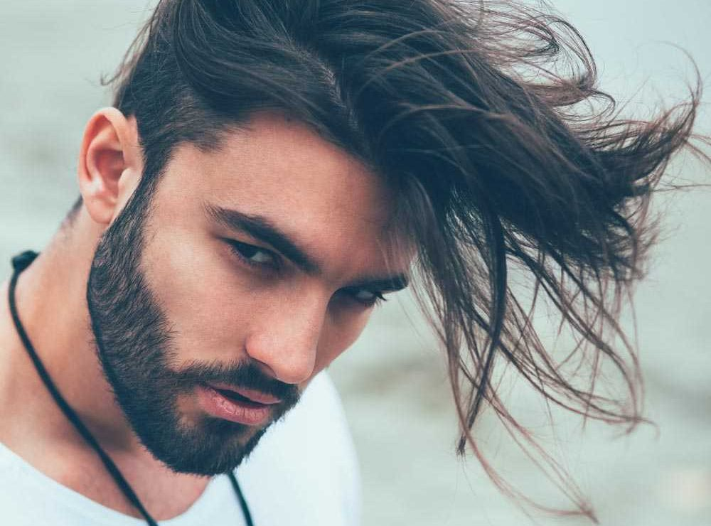 Doppio taglio capelli lunghi uomo