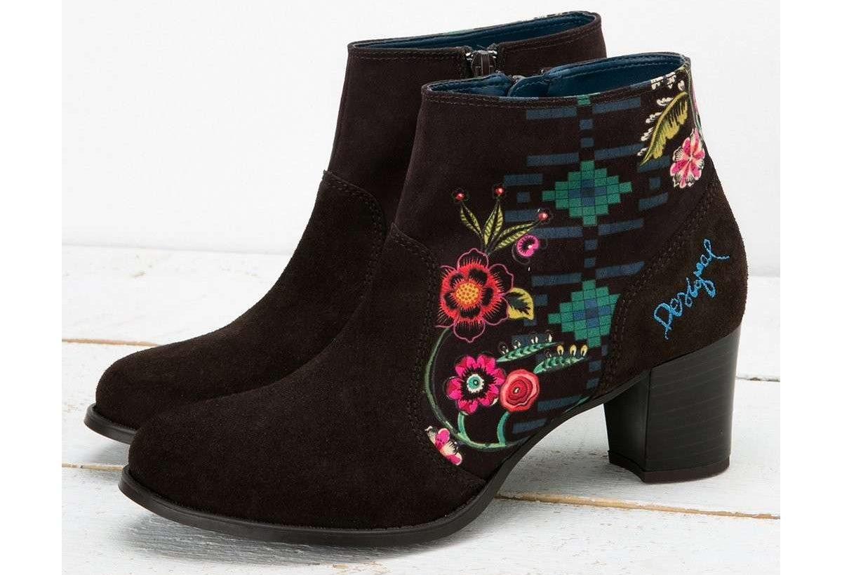 free shipping 5ad20 50ac7 Desigual Scarpe per una moda che tutti amiamo il colore