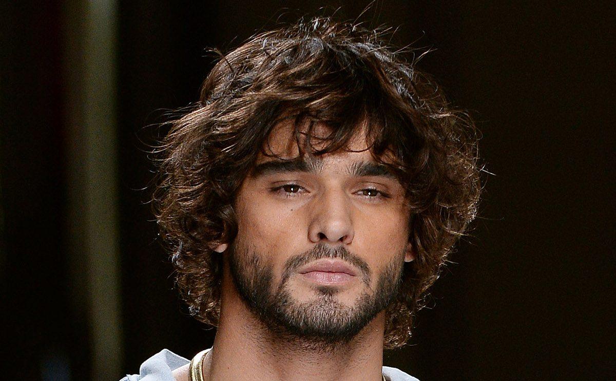 I capelli lunghi per maschi - Acconciature alla moda della ...