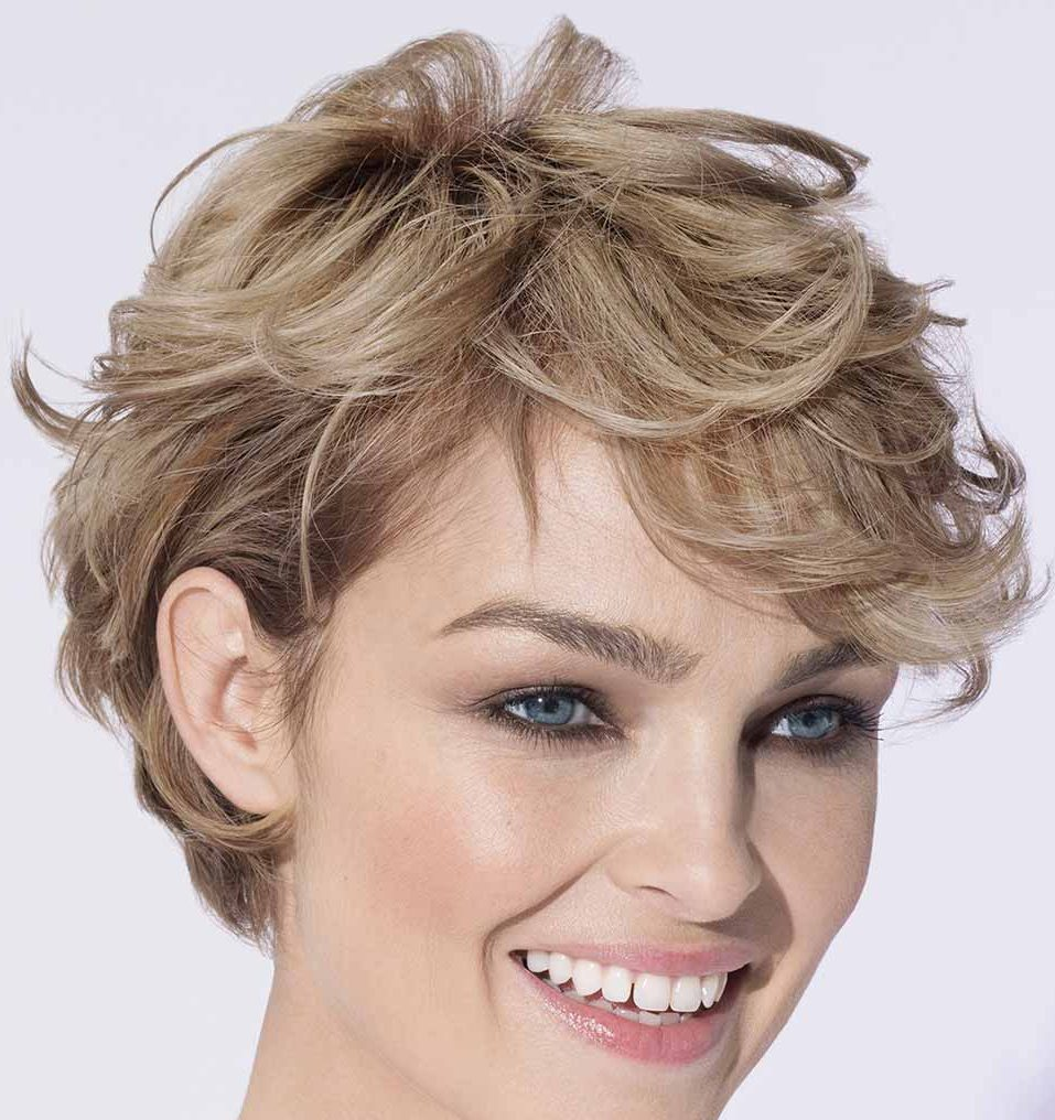 Taglio capelli bob corto mosso
